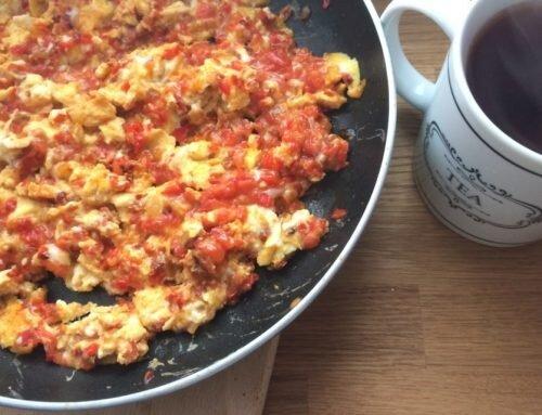 Turecki menemen czyli jajecznica z warzywami